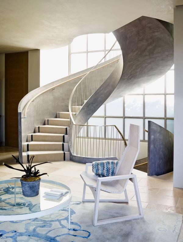 Incredible Mediterranean Staircase Design