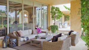 16 Beautiful Mediterranean Patio Designs That Will