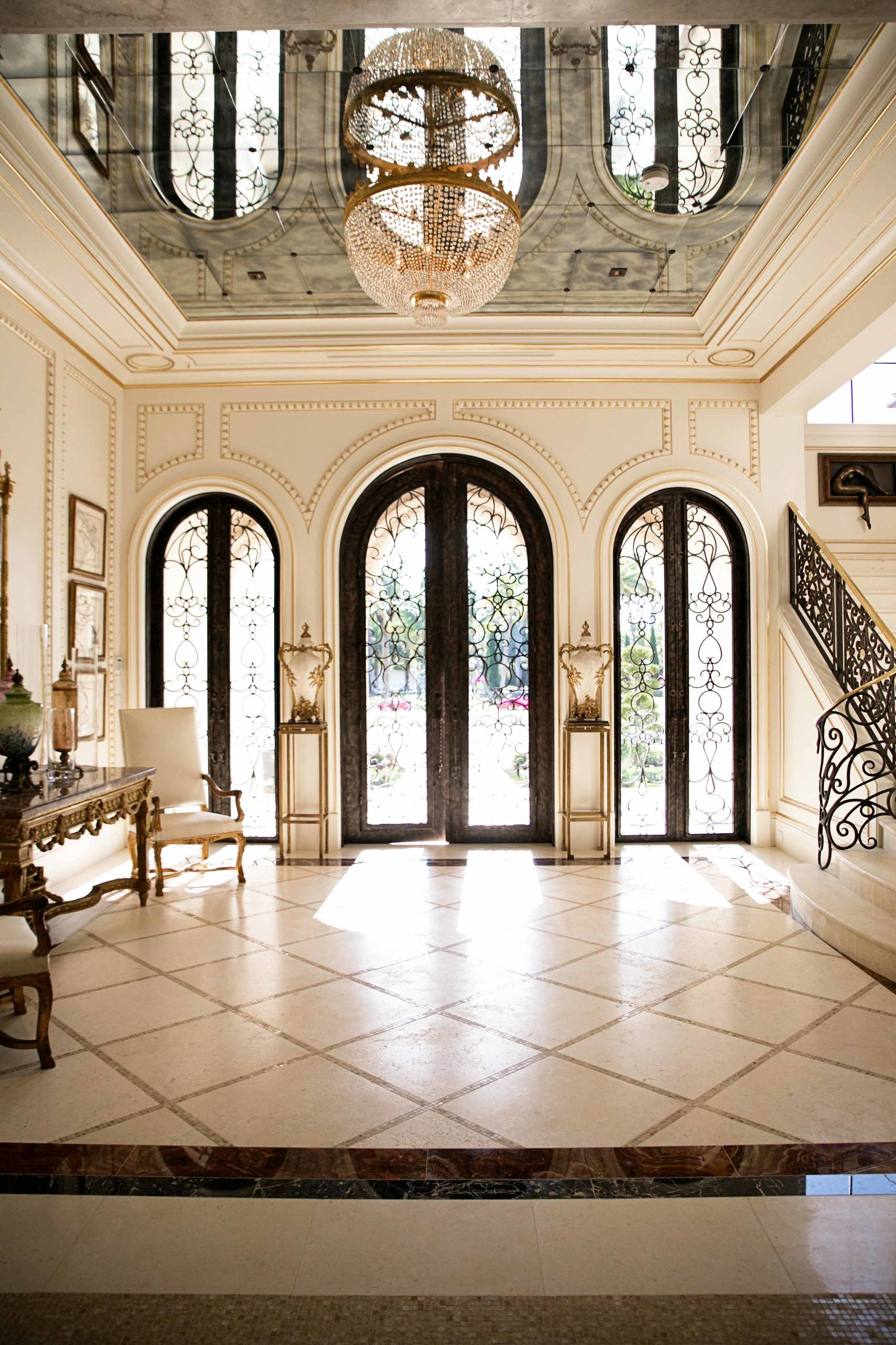 16 Uplifting Mediterranean Entry Hall Designs That Will