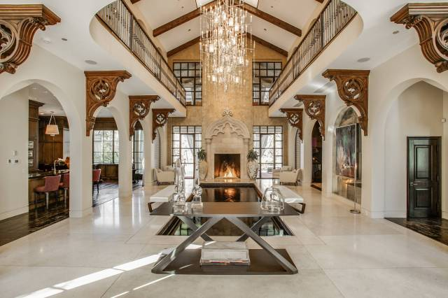16 Uplifting Mediterranean Entry Hall Designs That Will ...
