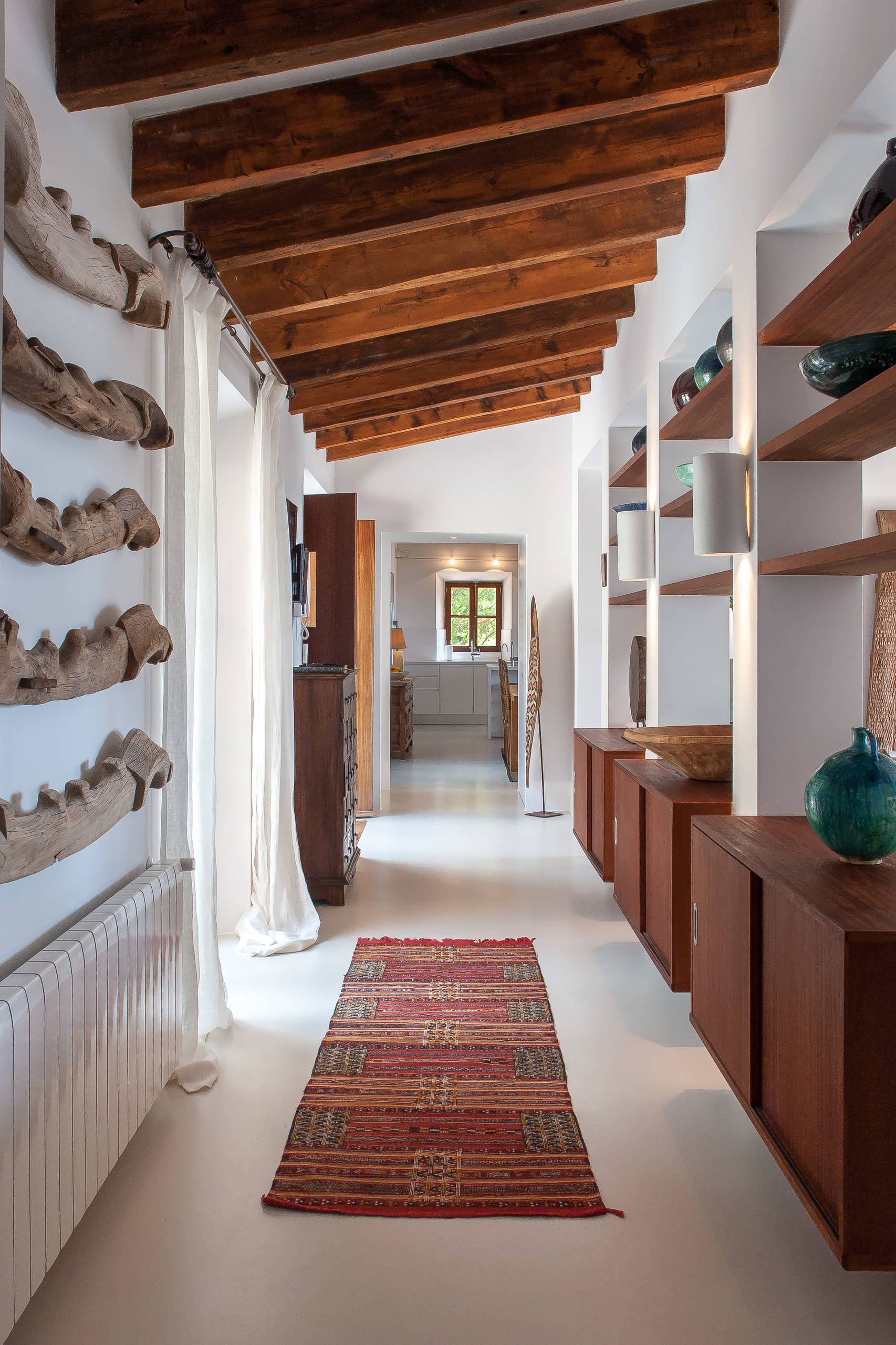 17 Magnificent Mediterranean Hallway Designs To Navigate