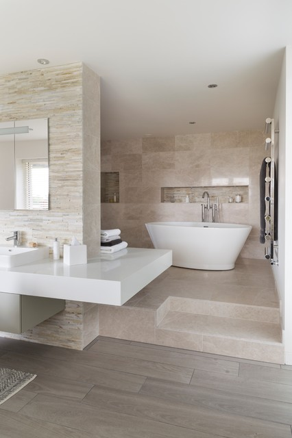 18 Divine Contemporary Bathroom Designs With Freestanding