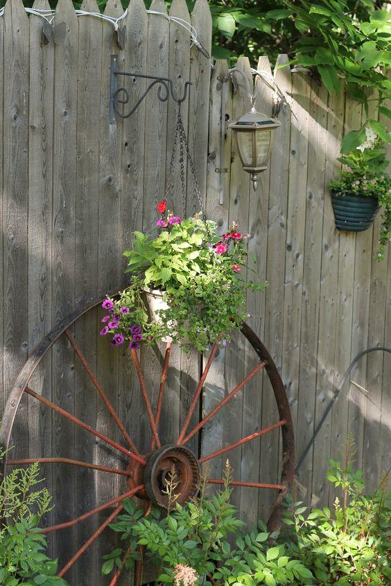 Really Inspiring Repurposing Ideas For Vintage Garden Decorations