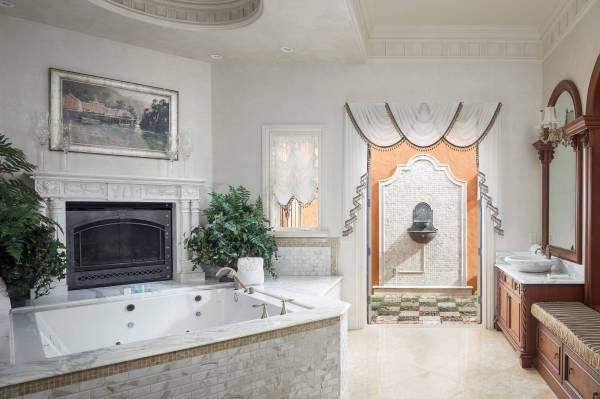 Enchanting Mediterranean Bathroom Design
