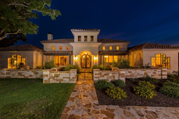 15 Exceptional Mediterranean Home Designs Youre Going To