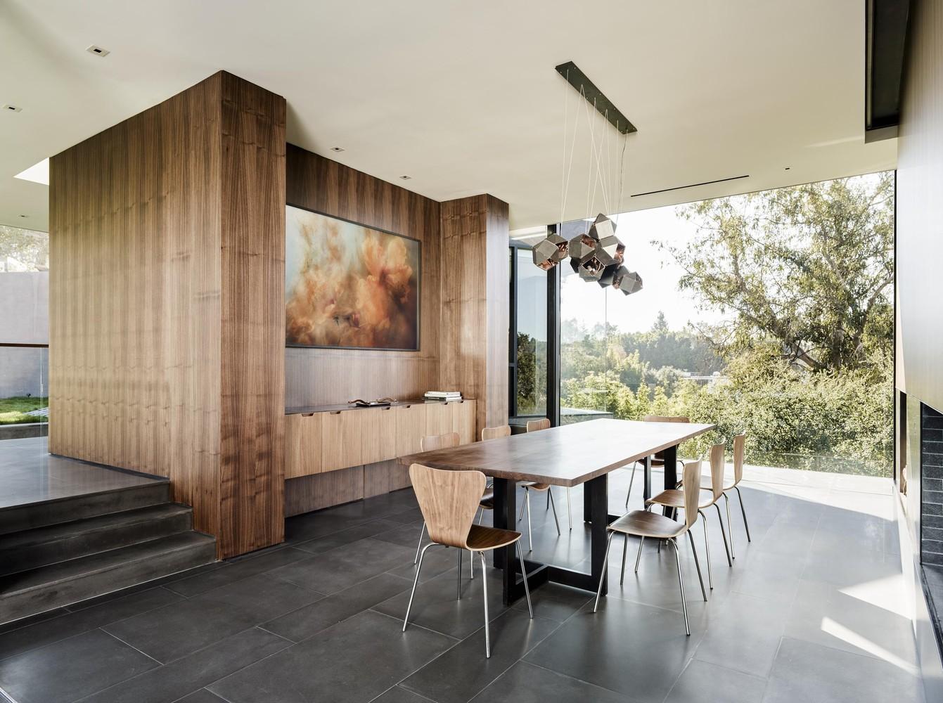 Oak Pass House by Walker Workshop in Beverly Hills California