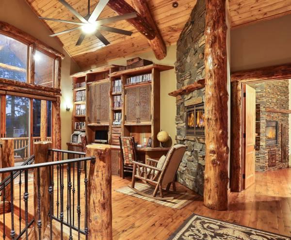 Motivational Rustic Home Office Design