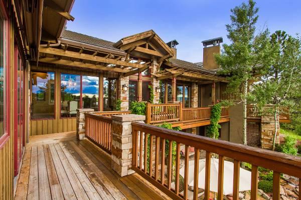 Amazing Rustic Deck Design Enhance