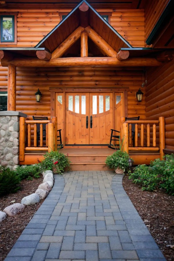 Enticing Rustic Entrance Design Tempt