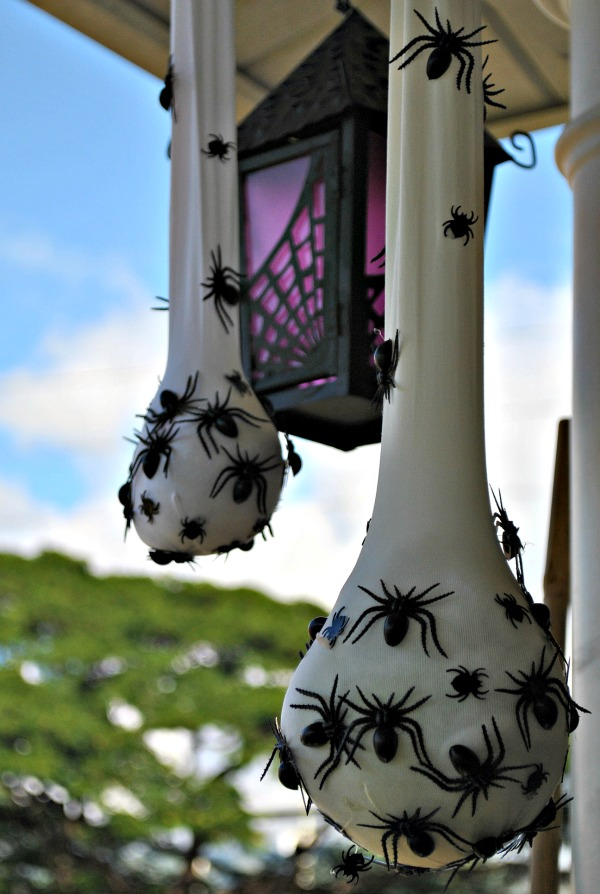 19 Super Easy Diy Outdoor Halloween Decorations That Look So Creepy Spooky