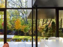 Cedarvale Ravine House by Drew Mandel Architects in ...