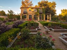 15 Fascinating Ideas Of Tuscan Gardens That Will Amaze You