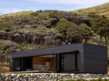 Storm Cottage by Fearon Hay Architects in Great Barrier ...