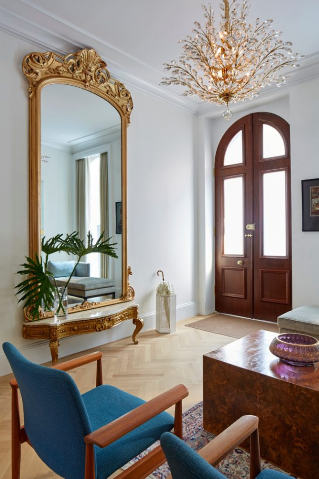17 Captivating MidCentury Modern Entrance Designs That