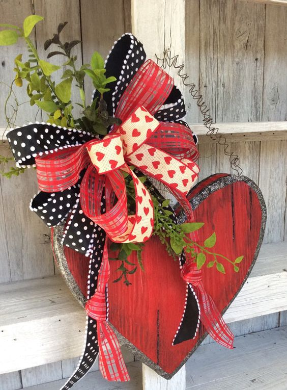 21 Last Minute DIY Valentines Day Decorations That Are