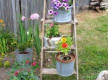 14 Marvelous Ideas For Using Old Ladder In Your Garden