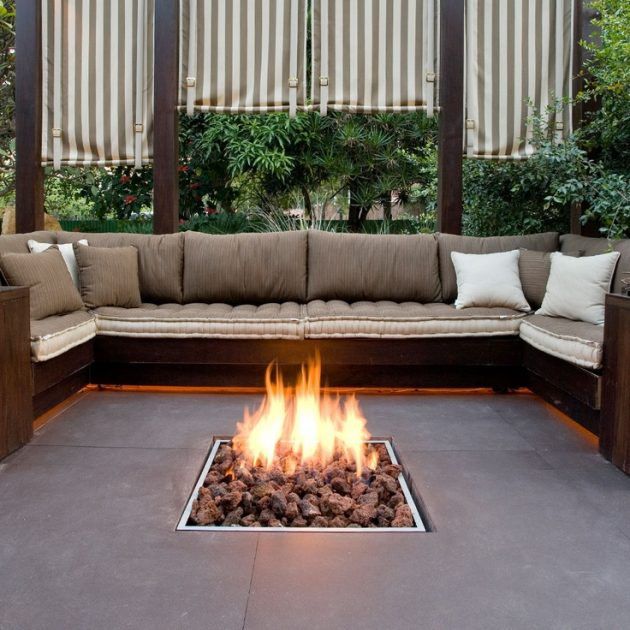 17 Extravagant Backyard Fireplaces & Fire Pits That Will