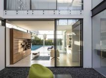 N2 House by Pitsou Kedem Architects in Hezeliya Pituach ...