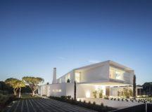 QL House by Visioarq Arquitectos in Faro, Portugal