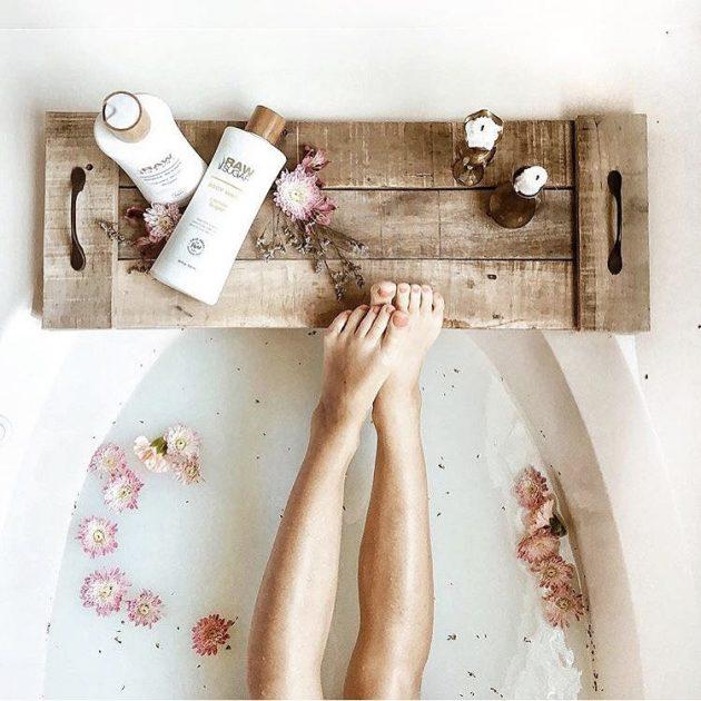15 Impressive Handmade Pallet Wood Crafts For Your Bathroom
