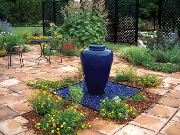 15 Extraordinary Ideas For Landscaping The Garden With