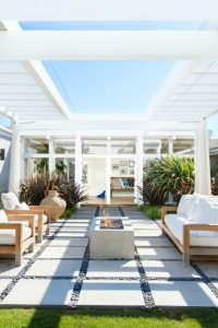 15 Startling Contemporary Patio Designs For Your Backyard