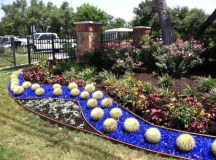 15 Extraordinary Ideas For Landscaping The Garden With ...