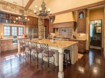 16 Astonishing Mediterranean Kitchen Designs You'll Fall ...