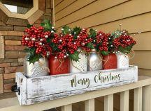 15 Fabulous Christmas Centerpiece Designs Your Table Lacks