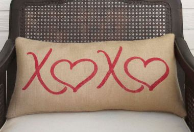 15 Beautiful Handmade Valentine's Day Pillow Gifts You Should Consider