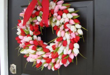 15 Cute Handmade Valentine's Day Wreath Designs Make A Unique Gift