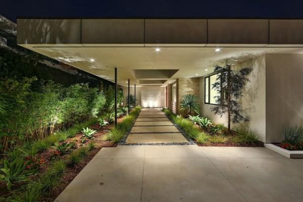 startling modern landscape design