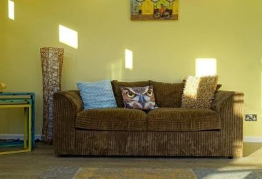 Tricks for Brightening a Dark Room in Your Home
