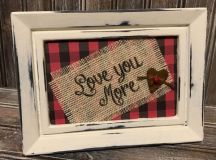 10 Appealing Rustic Love Signs That You Can Do For Free