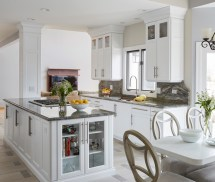 Beautiful Traditional Kitchen Design With Timeless