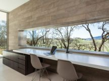 Retrospect Vineyards House by Swatt Miers Architects in Windsor, California