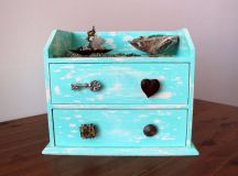15 Chic DIY Jewelry Box Designs You Can Use To Store And Display