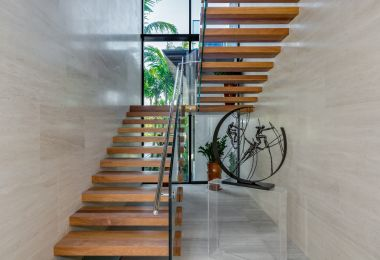 17 Fabulous Tropical Staircase Designs You'll Fall In Love With