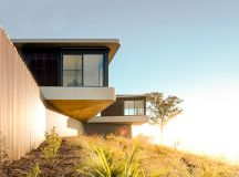 High Country House by Luigi Rosselli Architects in Armidale, Australia
