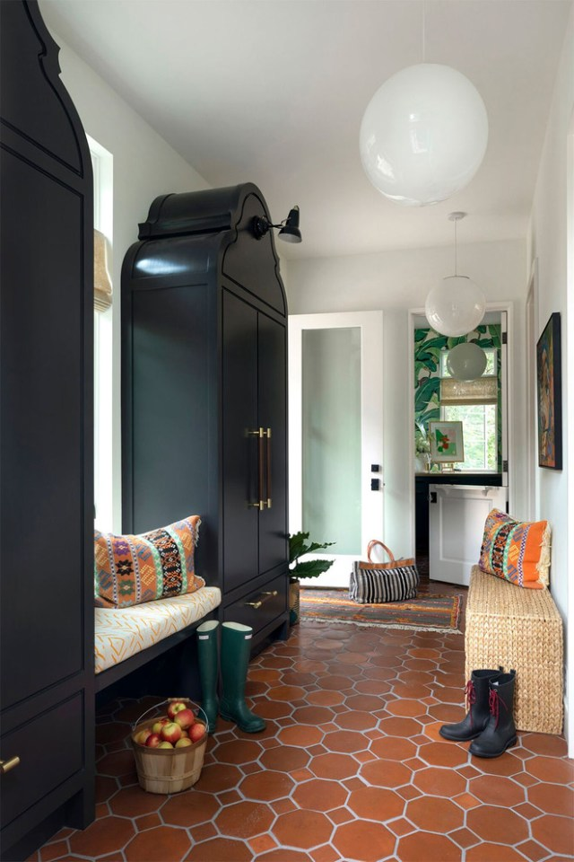 16 Eccentric Eclectic Entry Hall Interior Designs You Will ...