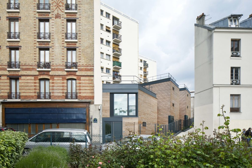 8 logements dans maison bois conçu par Pascal Gontier