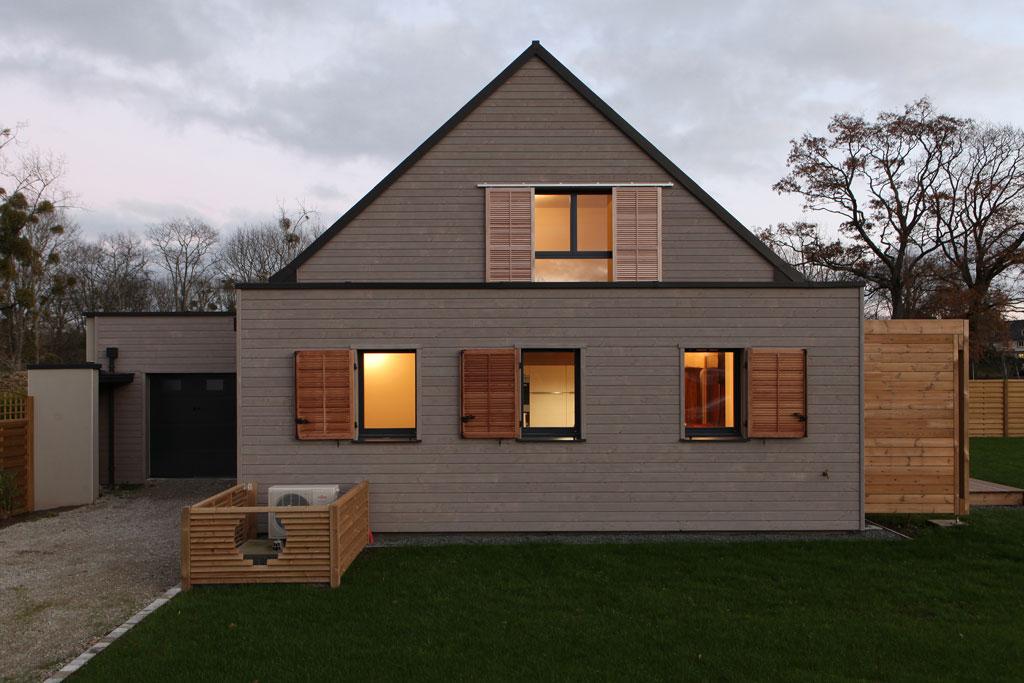 architecturebois-v2com-reportage-patrice-bideau-maison-RT2012-developpement-durable-ecologie-economie-bardage-construction