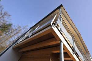 maison familiale et moderne avec extension en bois