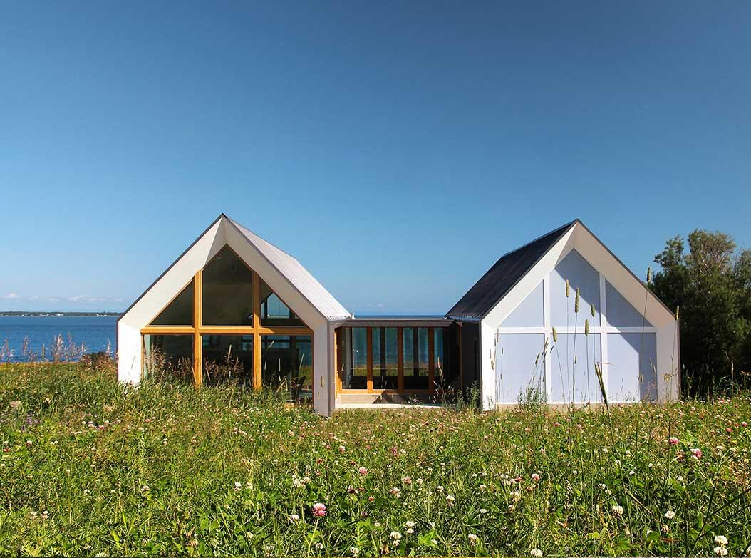 reportage-architecturebois-maison-dossier-kit-habitat-wood-house-bois-fenetre-rt2012-canada-oosaturebois-jumelles