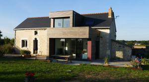 extension bois d'une maison classique et familial