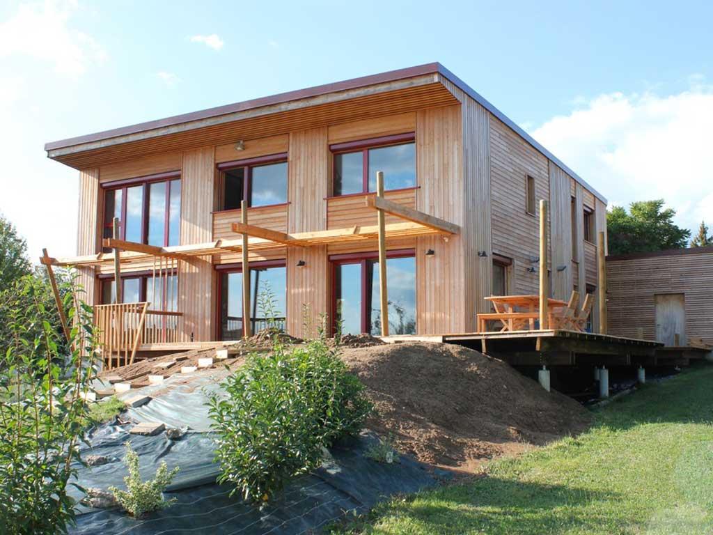 maison bosi familial avec jardin
