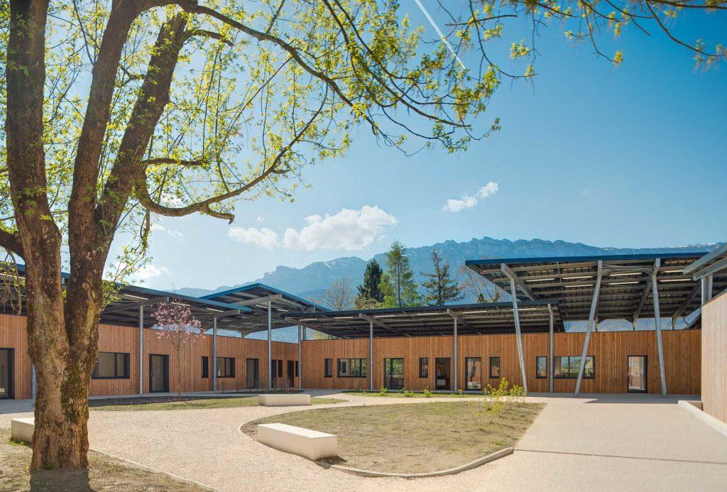 Lycée pierre du terrai en bois à Lyon