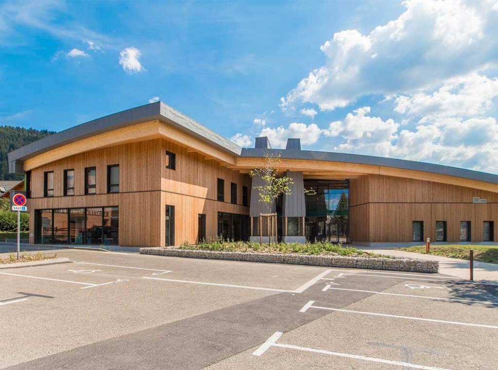 Le Cairn, centre culturel en bois à Lans en Vercors