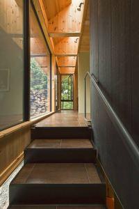 escaliers en bois dans maison bois au Québec