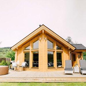 cabane en madriers conçu par Artihouse